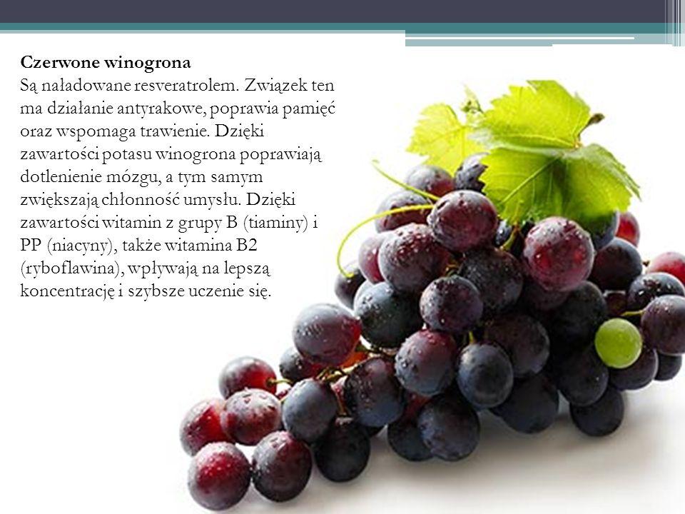 Czerwone winogrona Są naładowane resveratrolem. Związek ten ma działanie antyrakowe, poprawia pamięć oraz wspomaga trawienie. Dzięki zawartości potasu