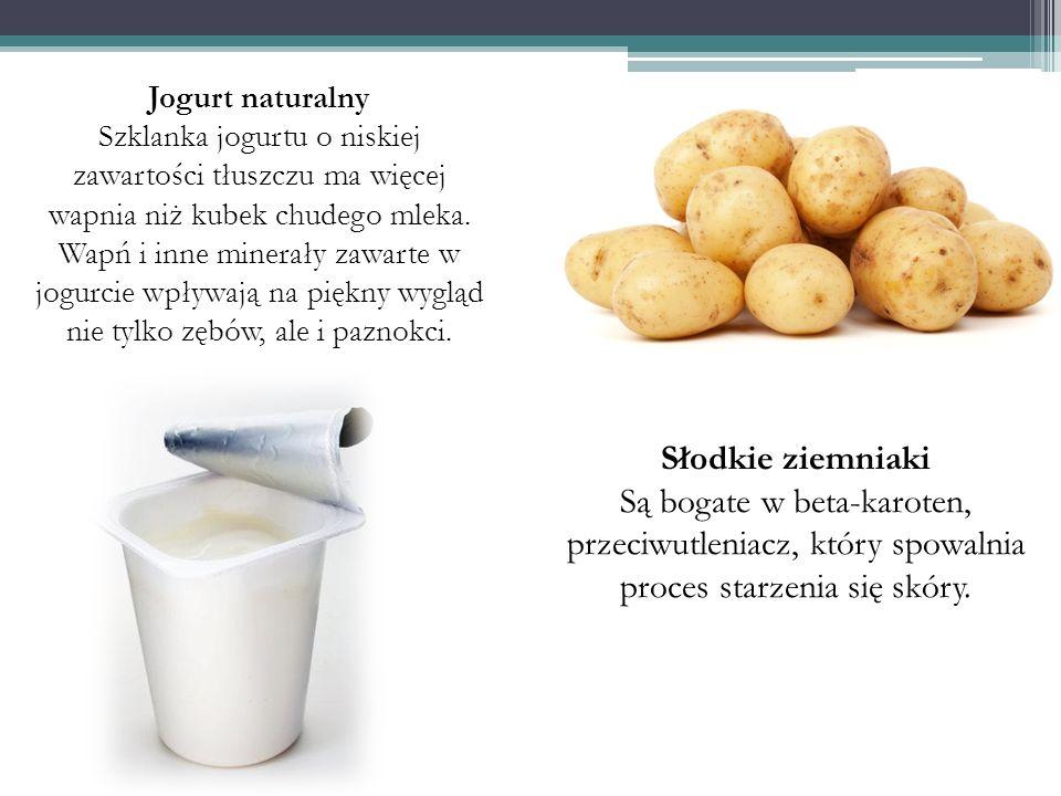 Jogurt naturalny Szklanka jogurtu o niskiej zawartości tłuszczu ma więcej wapnia niż kubek chudego mleka. Wapń i inne minerały zawarte w jogurcie wpły