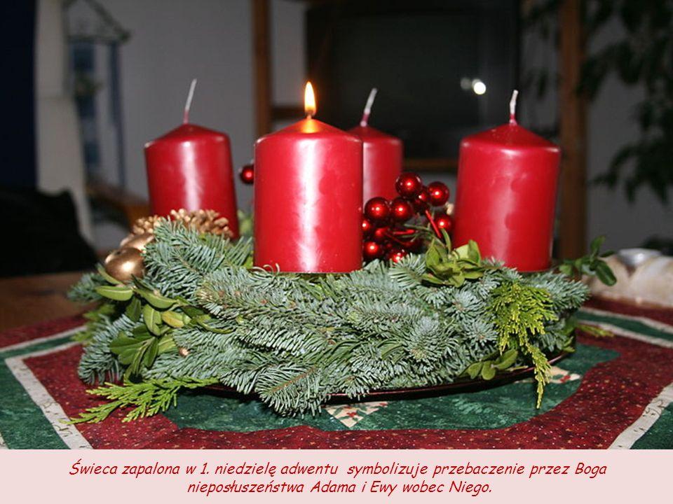 Zapalanie świec oznacza czuwanie i gotowość na przyjście Chrystusa. Wiąże się to ze słowami Chrystusa, który określał siebie mianem