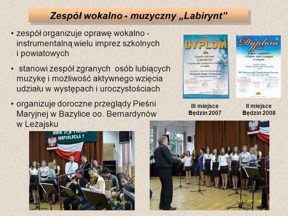 Zespół wokalno - muzyczny Labirynt zespół organizuje oprawę wokalno - instrumentalną wielu imprez szkolnych i powiatowych stanowi zespół zgranych osób lubiących muzykę i możliwość aktywnego wzięcia udziału w występach i uroczystościach organizuje doroczne przeglądy Pieśni Maryjnej w Bazylice oo.