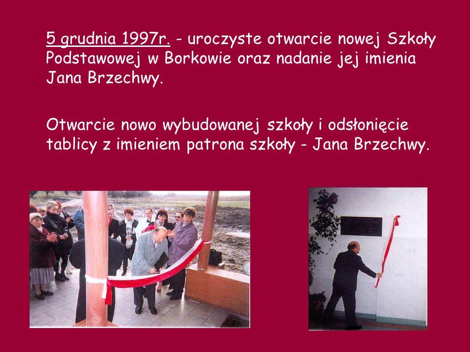 Pierwsza lekcja w nowej szkole… 1998r.- utworzenie w szkole klas od 0 do Vl.