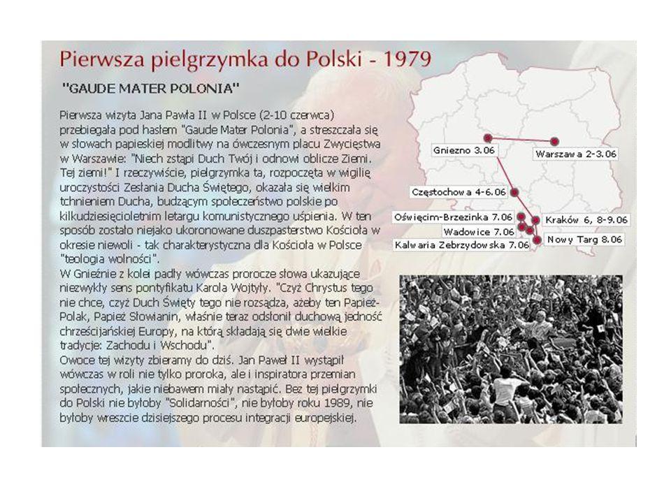 Dnia 10 listopada 2005r.Zespół Szkół Publicznych w Moniatyczach przyją imię Papieża Jana Pawła II.