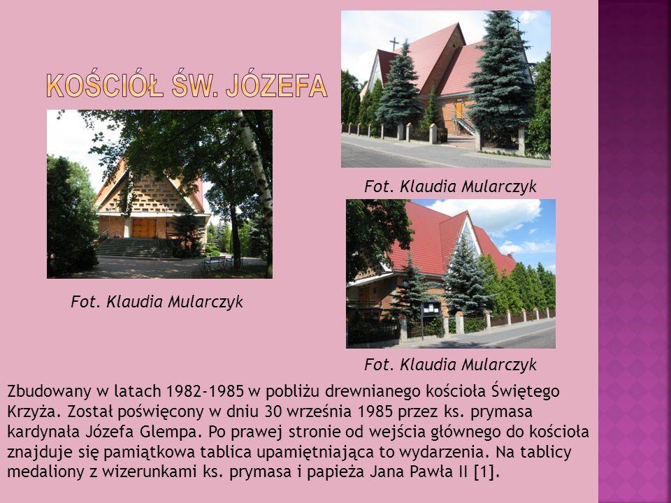 Zbudowany w latach 1982-1985 w pobliżu drewnianego kościoła Świętego Krzyża. Został poświęcony w dniu 30 września 1985 przez ks. prymasa kardynała Józ
