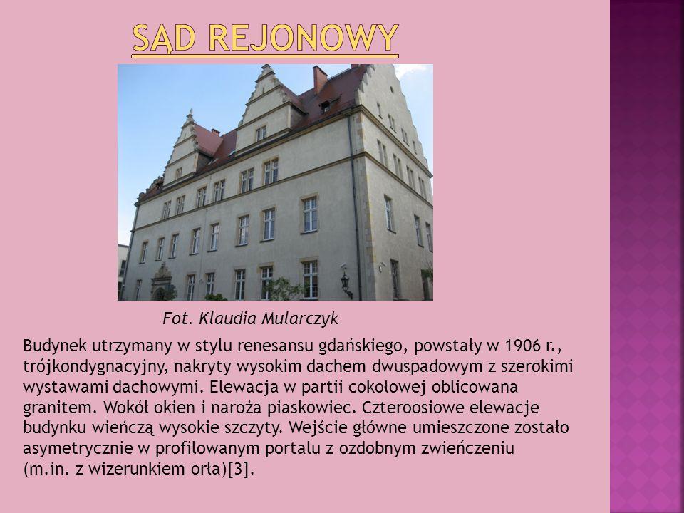 Budynek utrzymany w stylu renesansu gdańskiego, powstały w 1906 r., trójkondygnacyjny, nakryty wysokim dachem dwuspadowym z szerokimi wystawami dachow