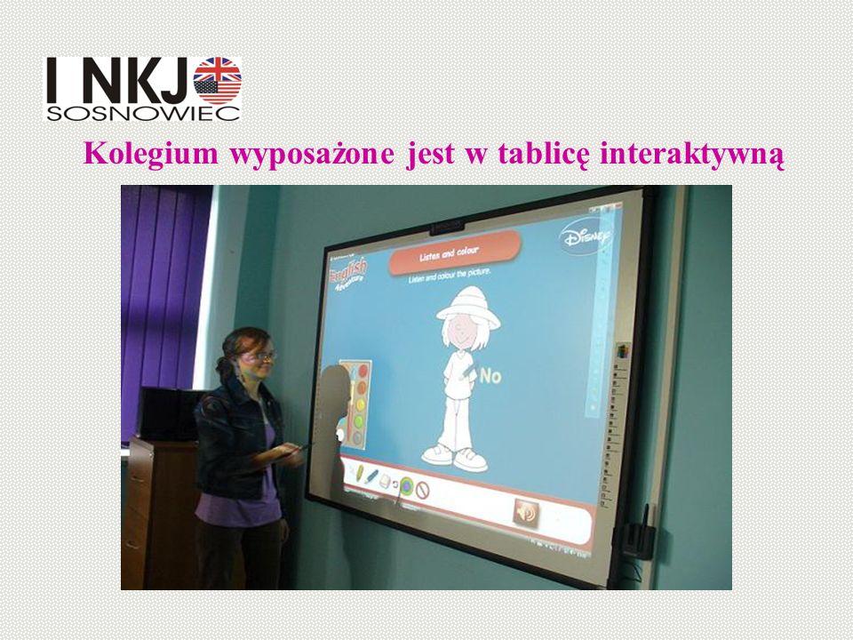 Kolegium wyposażone jest w tablicę interaktywną