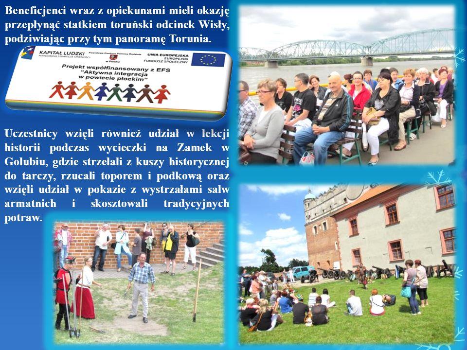 Uczestnicy wzięli również udział w lekcji historii podczas wycieczki na Zamek w Golubiu, gdzie strzelali z kuszy historycznej do tarczy, rzucali topor