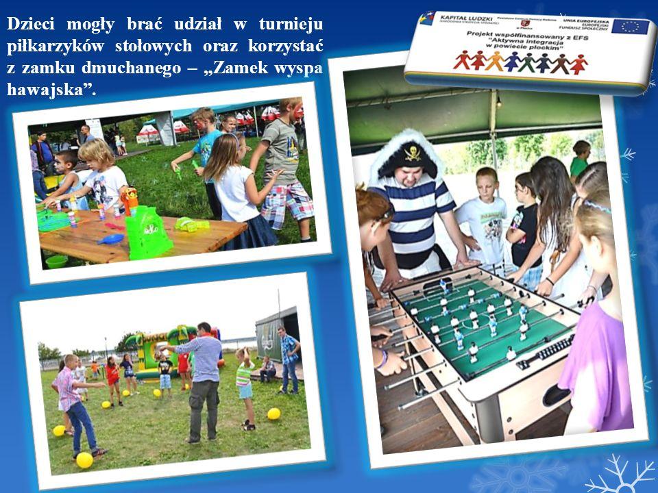Dzieci mogły brać udział w turnieju piłkarzyków stołowych oraz korzystać z zamku dmuchanego – Zamek wyspa hawajska.