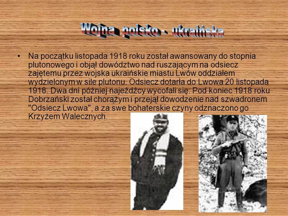 Do Krakowa zbliżał się front, miasto ewakuowano. Rodzina Dobrzańskich wyjechała do Czech, do wuja Leonarda Mieroszewskiego. Ten, zgodnie z obyczajem R