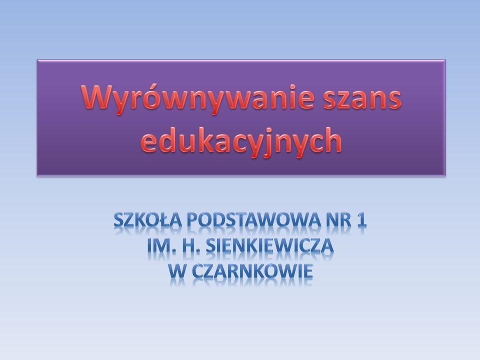 Szkoła Podstawowa nr 1 w Czarnkowie zapewnia uczniom dostęp do komputerów, Internetu, drukarki, skanera, ksero, aparatu cyfrowego, kamery w salach komputerowych podczas zajęć lekcyjnych, pozalekcyjnych oraz w bibliotece szkolnej (MCI i ICIM).