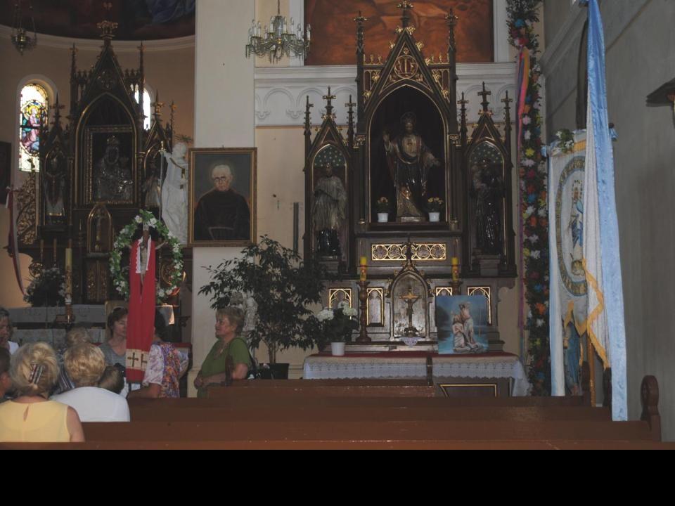 Pierwsze wzmianki o kościele w Nowolesiu pw.św. Marcina pochodzą z XIV w.