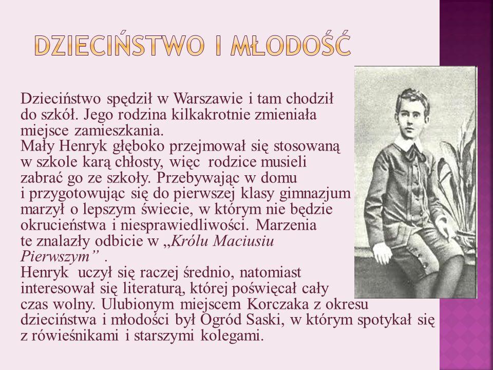 Dzieciństwo spędził w Warszawie i tam chodził do szkół.