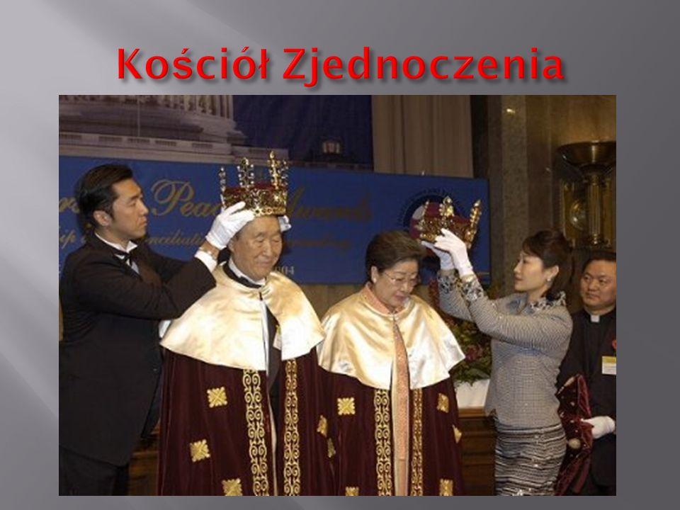 W stosunku do Bogdana Kacmajora jak i sekty Niebo padało i nadal pada wiele oskarżeń. Przede wszystkim o sprzedawanie dzieci za granicę, śmierć noworo