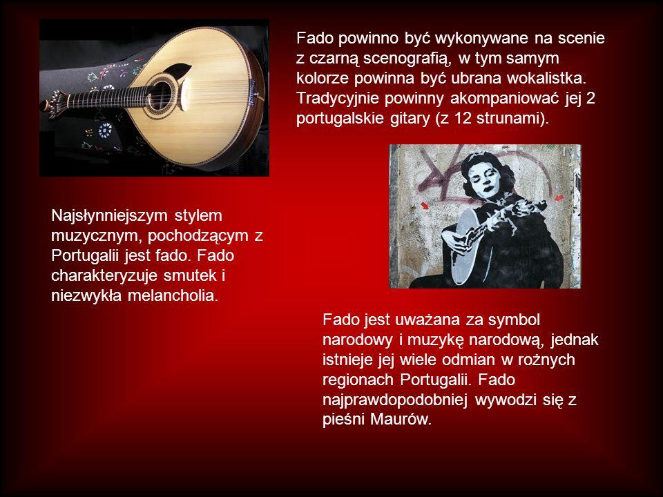 Aby śpiewać taki rodzaj muzyki potrzebny jest niezwykle silny głos oraz osobowość sceniczna, która ma pomóc w odtworzeniu żalu i smutku zawartego w słowach piosenek.