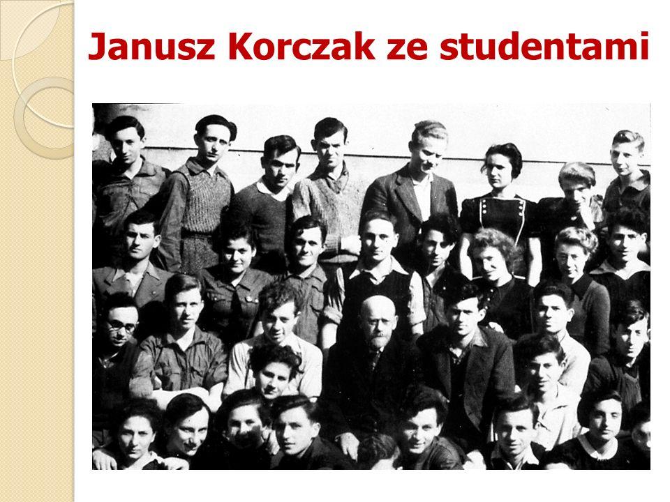 Janusz Korczak ze studentami