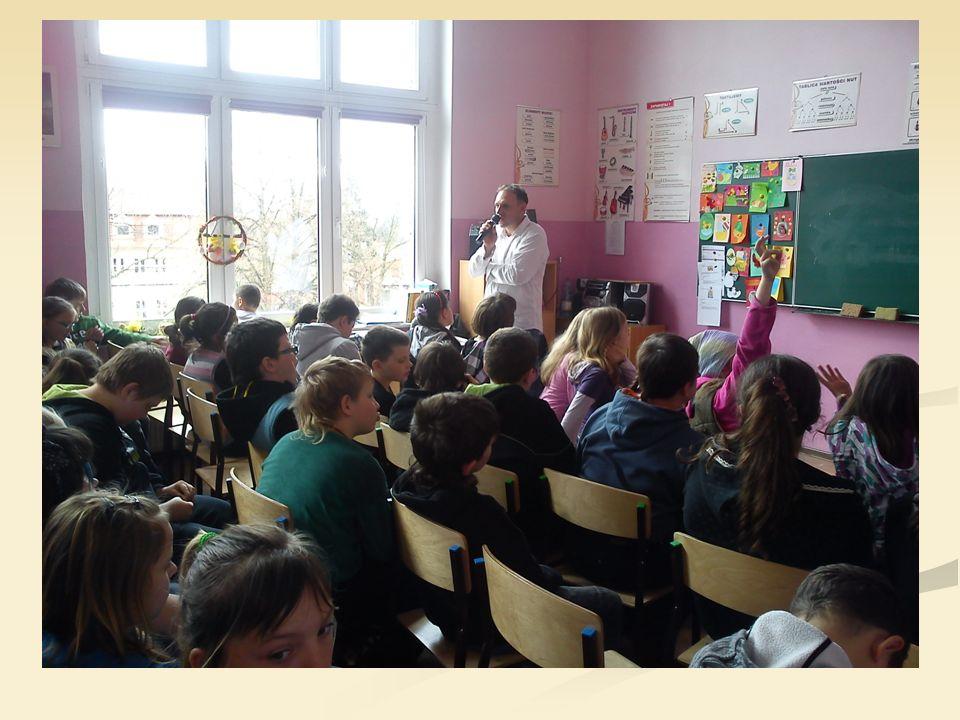 Realizacja Tematem spotkania było: Przestrzeganie prawa to obowiązek każdego, także ucznia .
