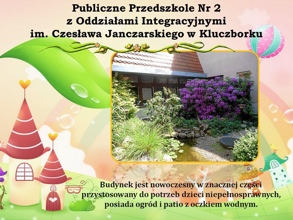 Budynek jest nowoczesny w znacznej części przystosowany do potrzeb dzieci niepełnosprawnych, posiada ogród i patio z oczkiem wodnym. Publiczne Przedsz