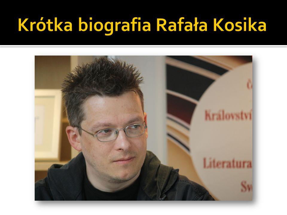 Urodził się ósmego października 1971 roku w Warszawie.