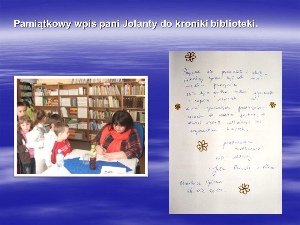 Pamiątkowy wpis pani Jolanty do kroniki biblioteki.