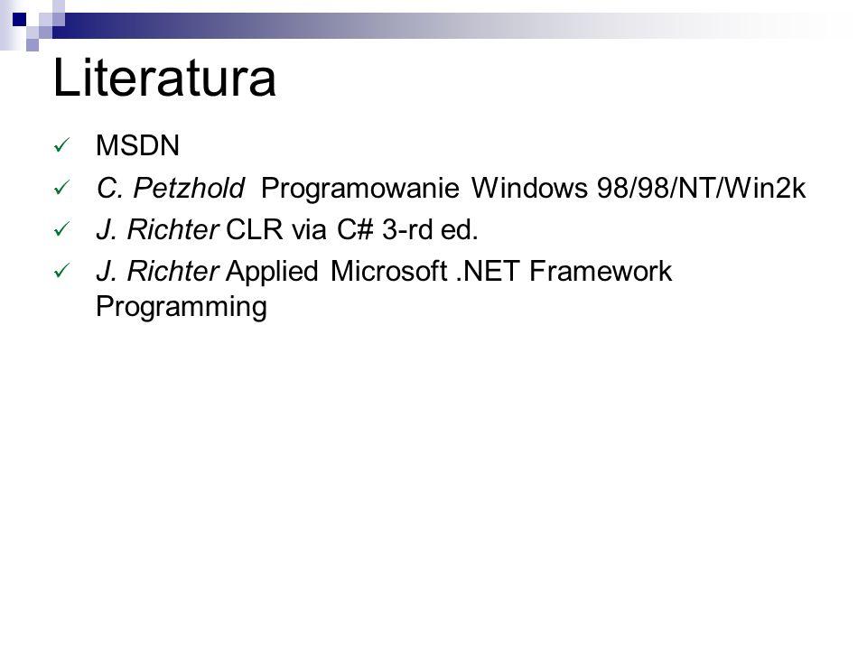 ASCII vs UNICODE Strony kodowe, UTF8-32 Win98 - natulalna reprezentacja ASCII (istnieją funkcje UNICODE niestety sporo błędów/atrap) Win NT, 2K, XP,2003 - naturalna reprezentacja UNICODE funkcje istnieją w wersjach xxxxW i xxxxA (A->U) COM (+) - UNICODE (Win98 + COM = kłopoty ???).NET – UTF 16 (niekiedy UTF8 wewnetrznie)