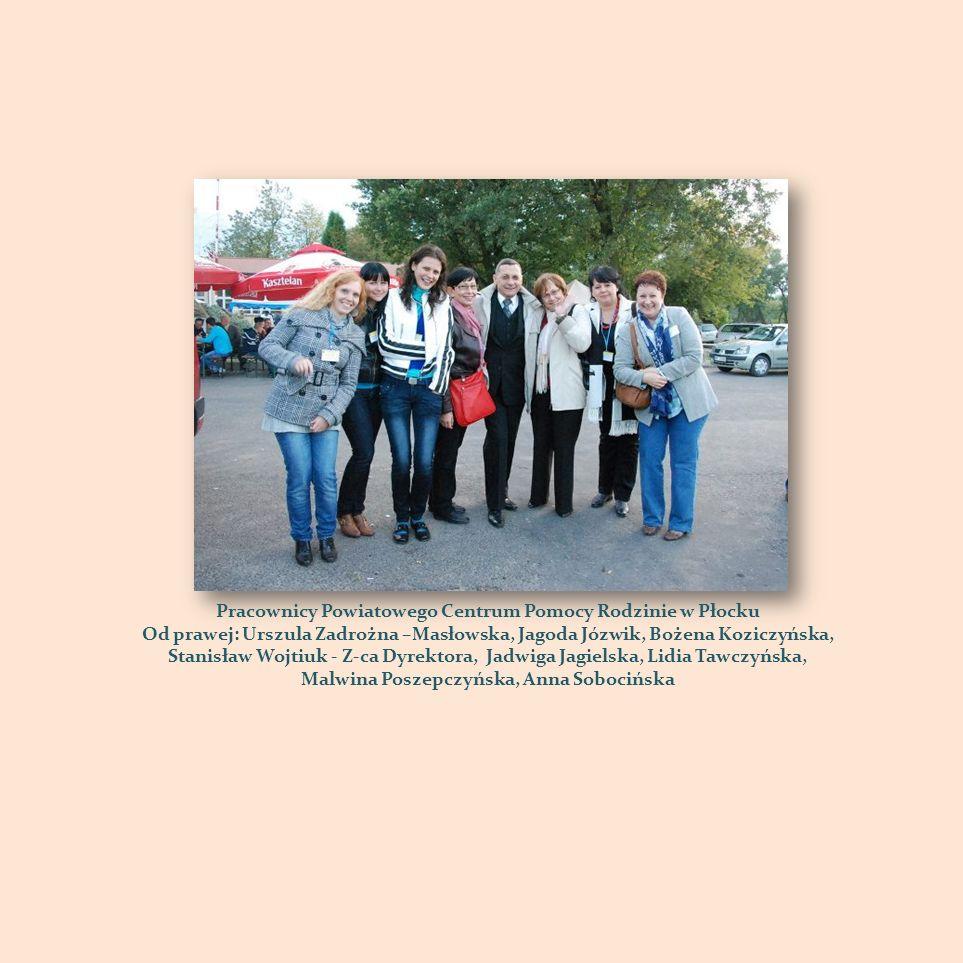Pracownicy Powiatowego Centrum Pomocy Rodzinie w Płocku Od prawej: Urszula Zadrożna –Masłowska, Jagoda Józwik, Bożena Koziczyńska, Stanisław Wojtiuk -