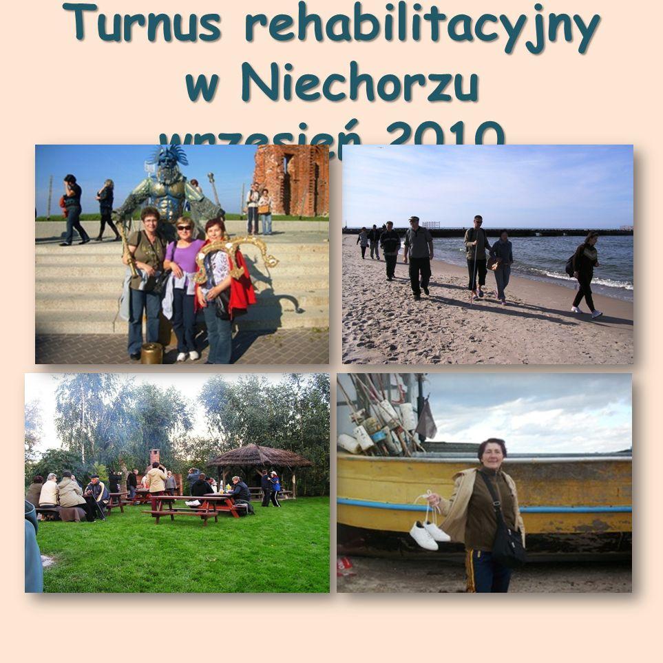 Uczestnicy Pikniku Kwesta na rzecz osób niepełnosprawnych poszkodowanych w wyniku powodzi.