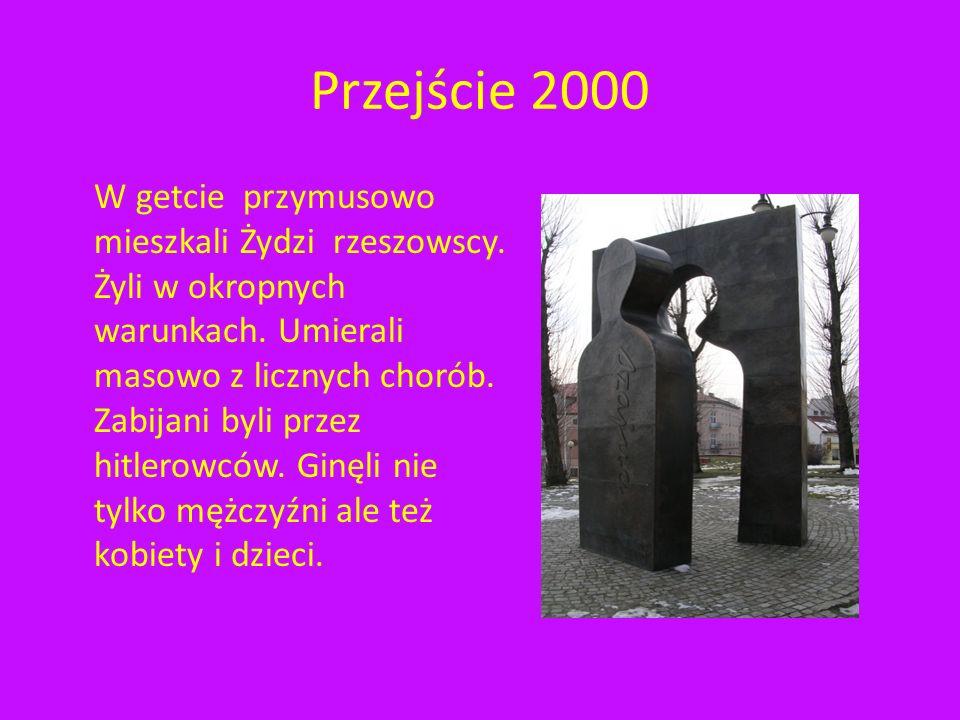 Przejście 2000 W okolicach dzisiejszego Placu Cichociemnych w czasie II wojny światowej hitlerowcy utworzyli getto.