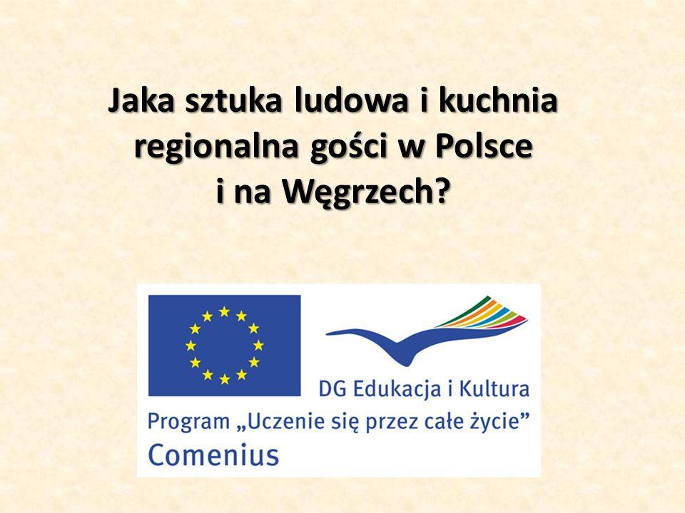 Na Węgrzech niezwykle popularne są wieńce adwentowe, które znajdują się nie tylko w każdym domu, ale także w miejscach użyteczności publicznej.