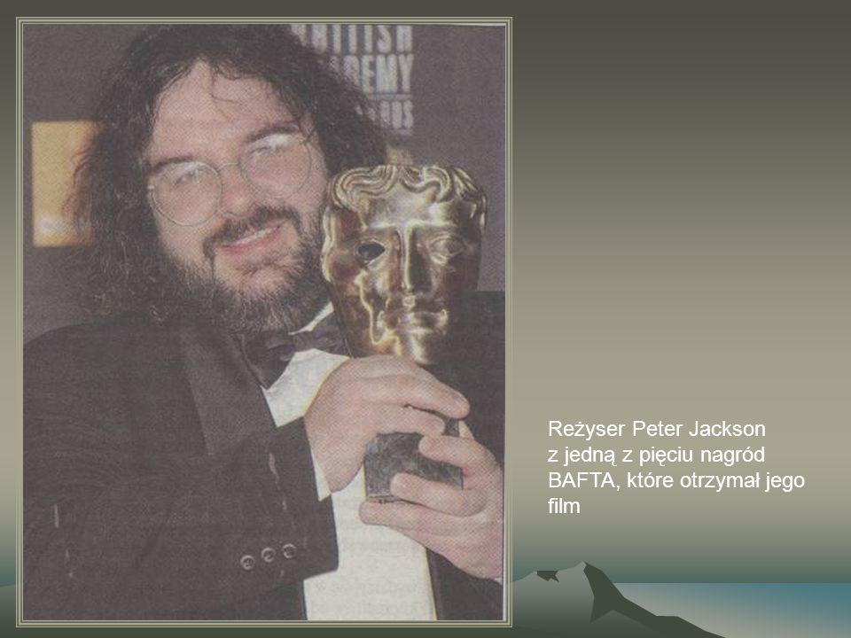 Reżyser Peter Jackson z jedną z pięciu nagród BAFTA, które otrzymał jego film