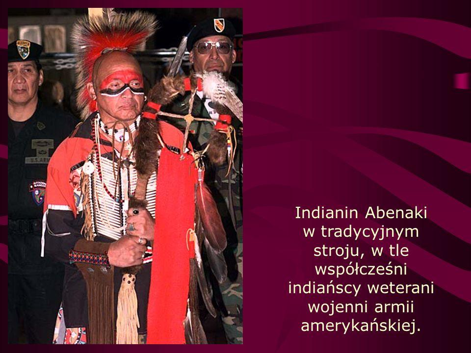 Kultura i obyczaje Obrzędy, obejmujące pieśni, tańce i modlitwy, służyły m.in.