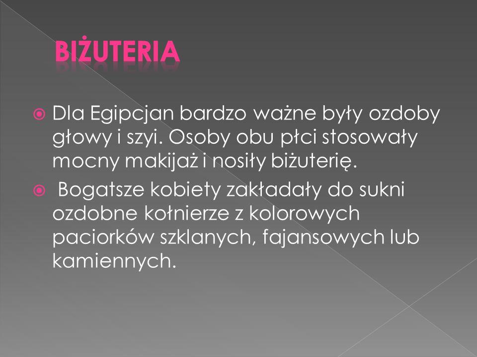 Tak jak w innych miejscach Europy, w Polsce również kobiety nosiły suknie składające się z dwóch warstw - spodniej i wierzchniej, przy czym szerokość rękawów była oznaką pozycji społecznej kobiety.