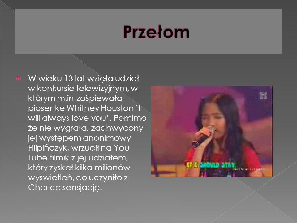 W wieku 13 lat wzięła udział w konkursie telewizyjnym, w którym m.in zaśpiewała piosenkę Whitney Houston I will always love you.