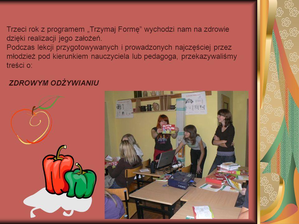 Jako podsumowanie realizacji programu Trzymaj Formę uczniowie przygotowali różne zadania, które zaprezentowali podczas ogólnoszkolnej imprezy z okazji Dnia Dziecka.