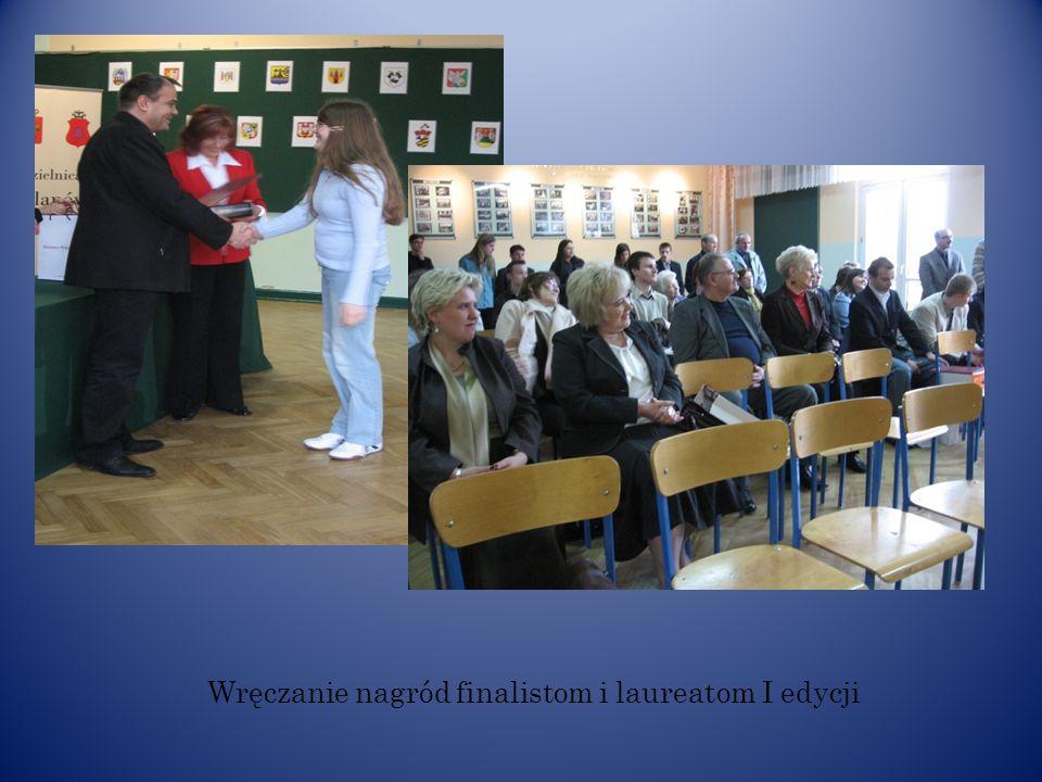 Nagrody dla finalistów ufundowane przez Burmistrza Dzielnicy Wilanów m. st. Warszawy