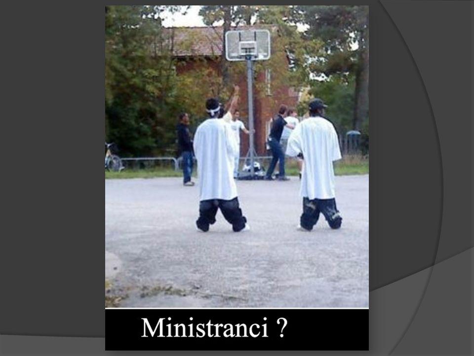 Z posługą lektora (ministranta słowa Bożego) bezpośrednio wiąże się lekcjonarz.