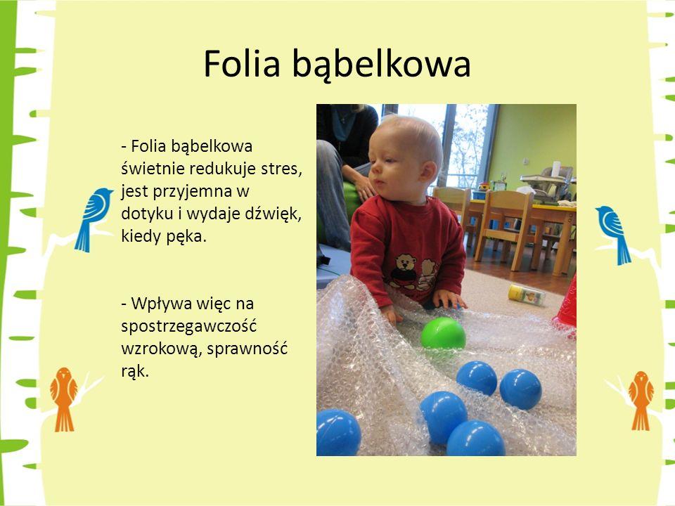 Folia bąbelkowa - Folia bąbelkowa świetnie redukuje stres, jest przyjemna w dotyku i wydaje dźwięk, kiedy pęka.