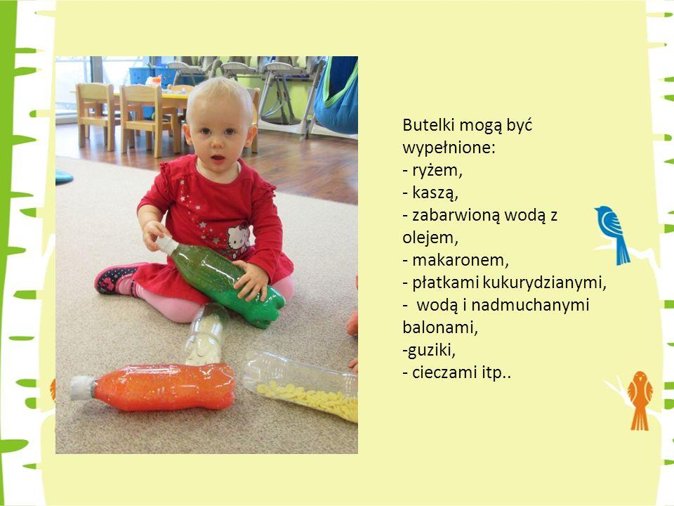 Sensoryczne zabawki - Materiałowa kostka to świetna zabawa.
