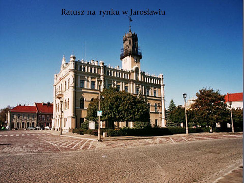 Ratusz na rynku w Jarosławiu