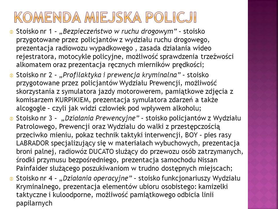 Stoisko nr 1 – Bezpieczeństwo w ruchu drogowym – stoisko przygotowane przez policjantów z wydziału ruchu drogowego, prezentacja radiowozu wypadkowego,