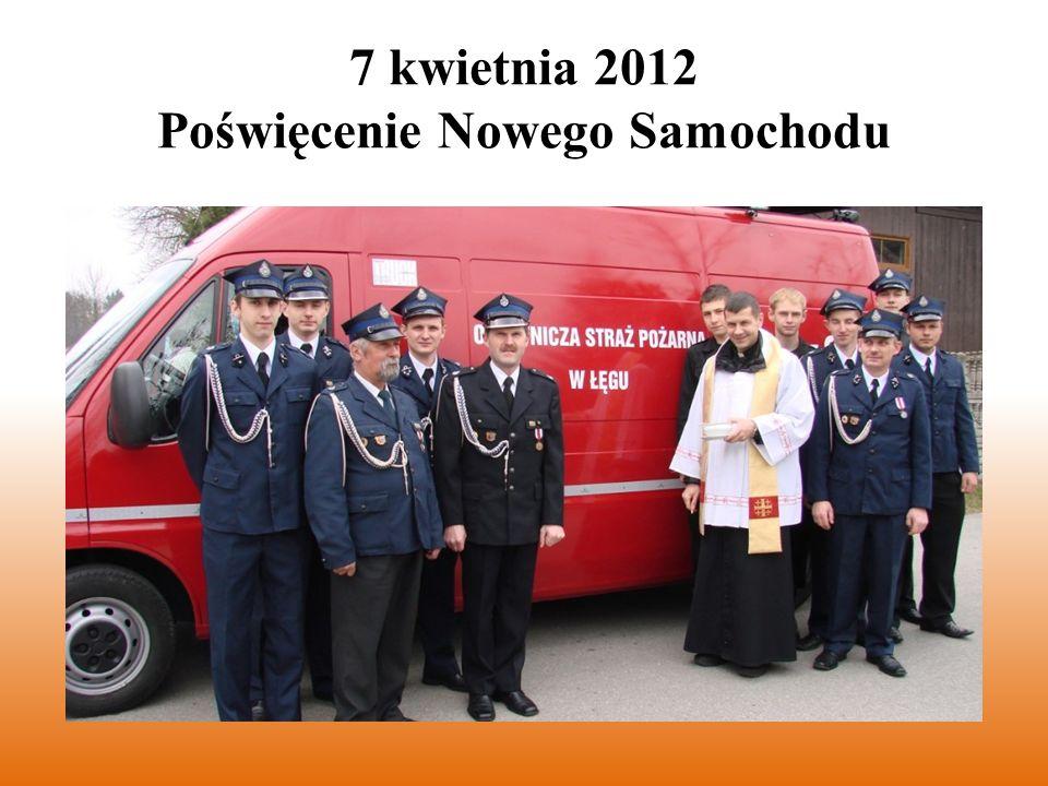 Uroczystość poświęcenia nowego samochodu bojowego GLBA Peugeot Boxer odbyła się przy okazji poświęcenia pokarmów, dzięki czemu oprócz członków OSP Łęg uczestniczyło w niej wielu mieszkańców Łęgu i Kijowa.
