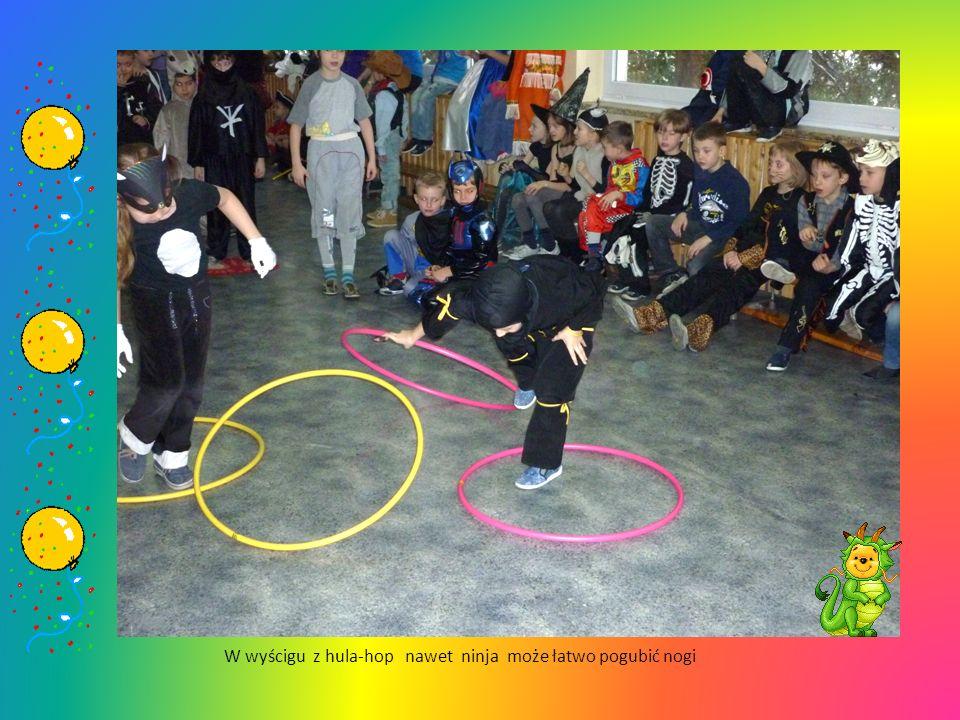W wyścigu z hula-hop nawet ninja może łatwo pogubić nogi