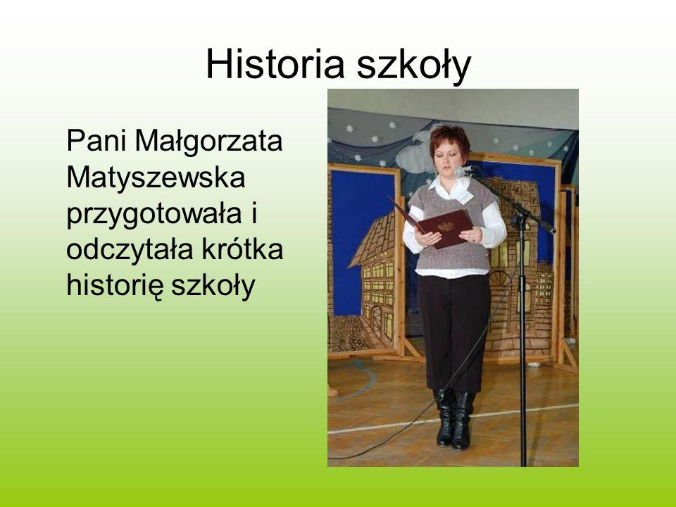 Dekoracja Dekorację przygotowała Pani Teresa Piechut przy współpracy z nauczycielami szkoły.