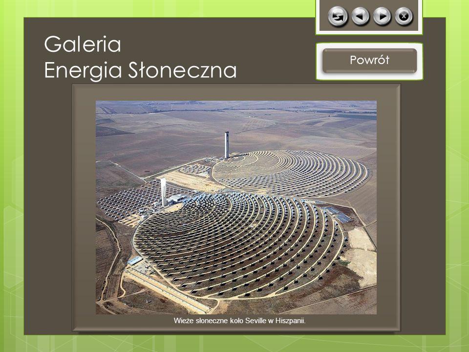 Powrót Wieże słoneczne koło Seville w Hiszpanii. Galeria Energia Słoneczna