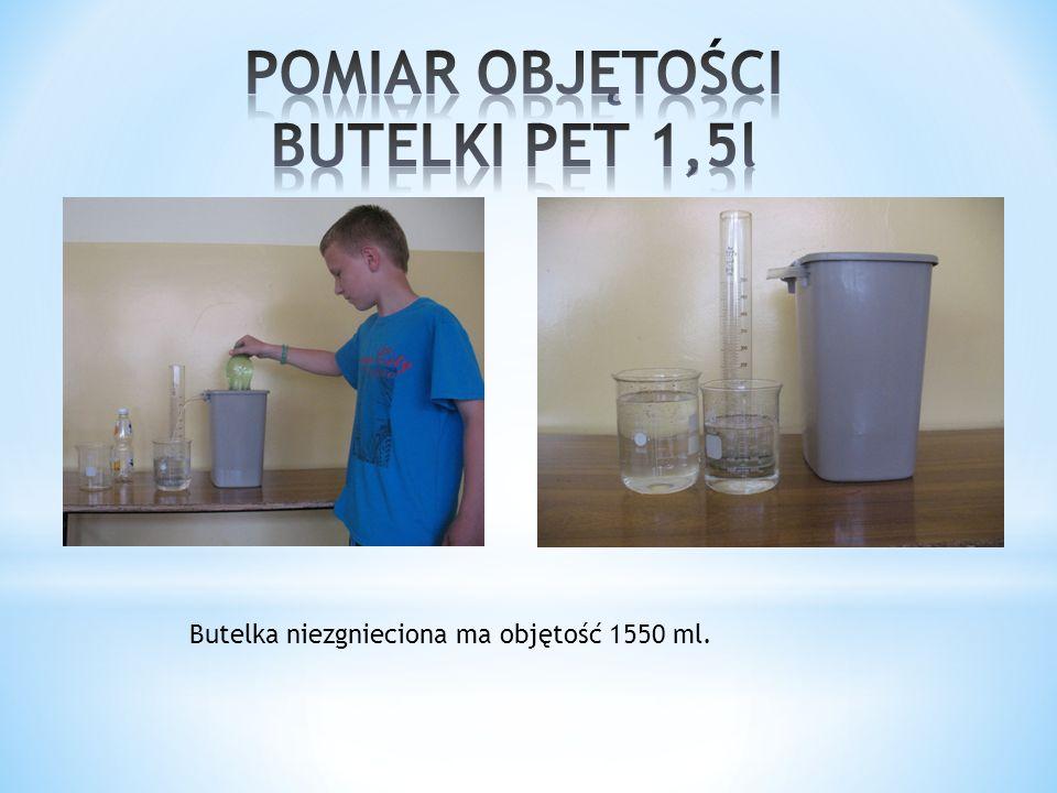 Zakładaliśmy hipotezy na temat zmniejszenia rozmiarów butelki PET i kartoniku. Przewidywaliśmy, że butelka PET po zgnieceniu zmniejszy objętość 4-6 ra