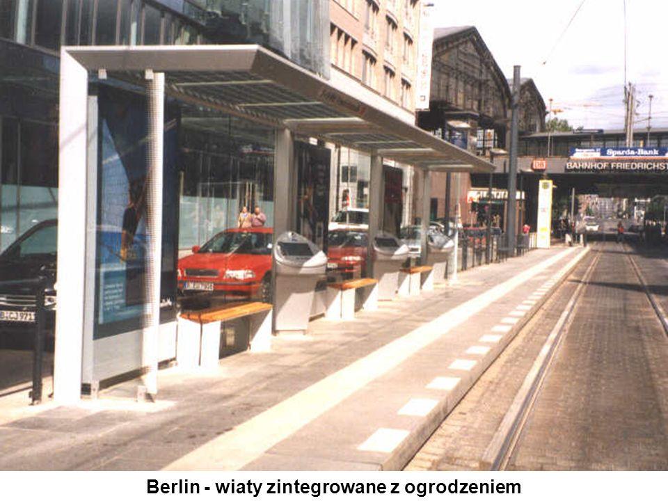 Berlin - wiaty zintegrowane z ogrodzeniem