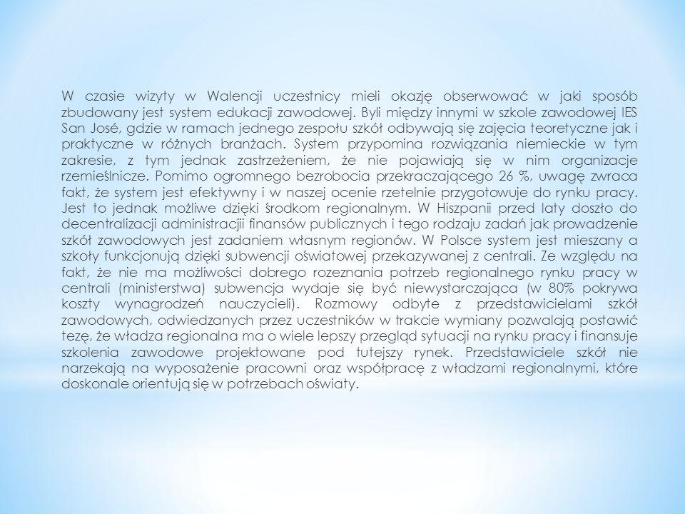 Obecny system edukacji w Polsce jest kształtowany przede wszystkim przez ustawę o systemie edukacji, która przewiduje silną centralizację działań.
