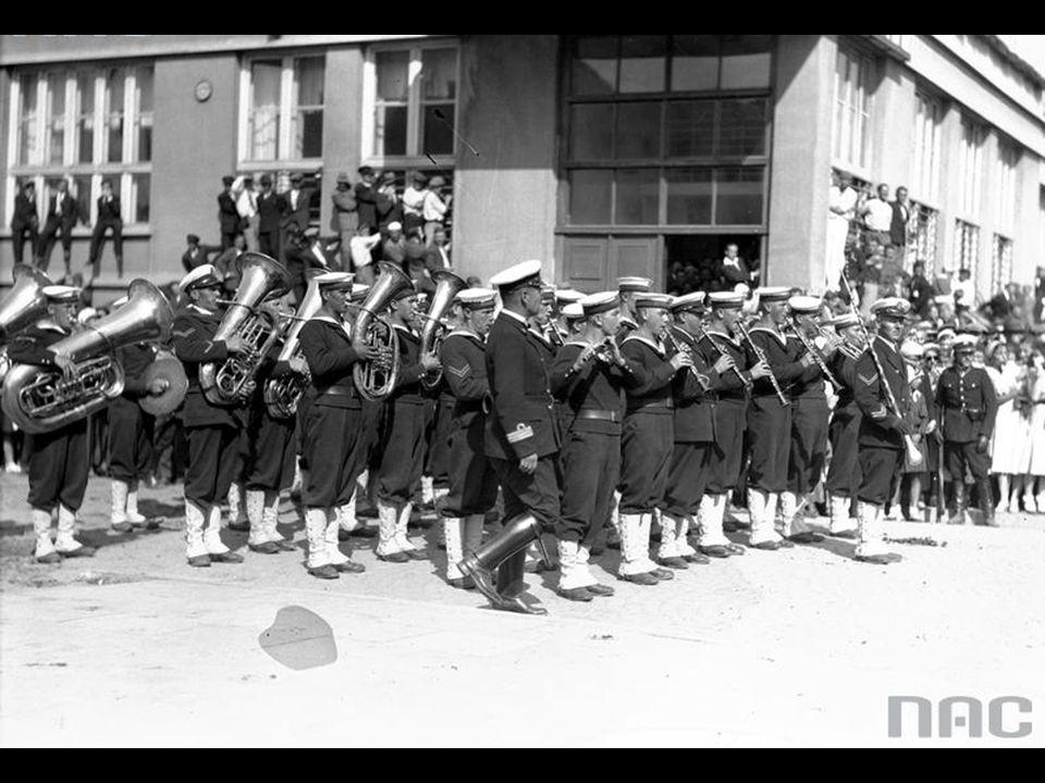 Ulica 10 Lutego - Defilada - Orkiestra Marynarki Wojennej.