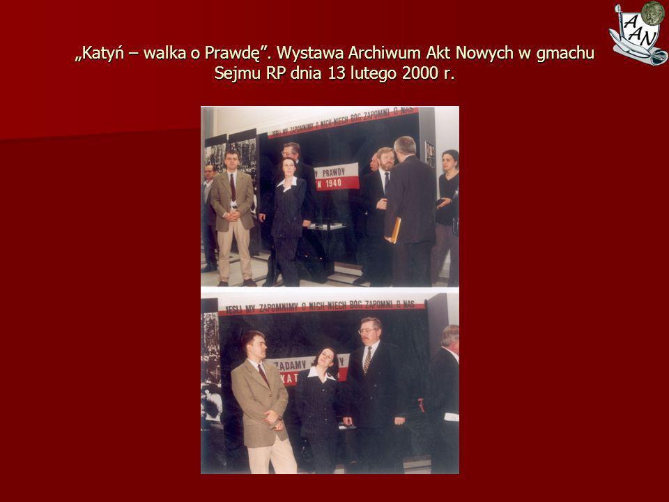 Przekazanie dokumentów Zgrupowania AK Radosław do zasobu Archiwum Akt Nowych, 27 kwietnia 2006 r.