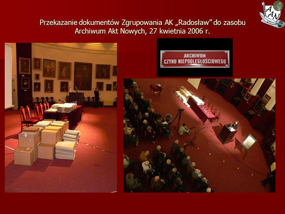 Podpisanie aktu przekazania akt Kontrwywiadu Solidarności Walczącej do zasobu Archiwum Akt Nowych, 17 września 2008 r.