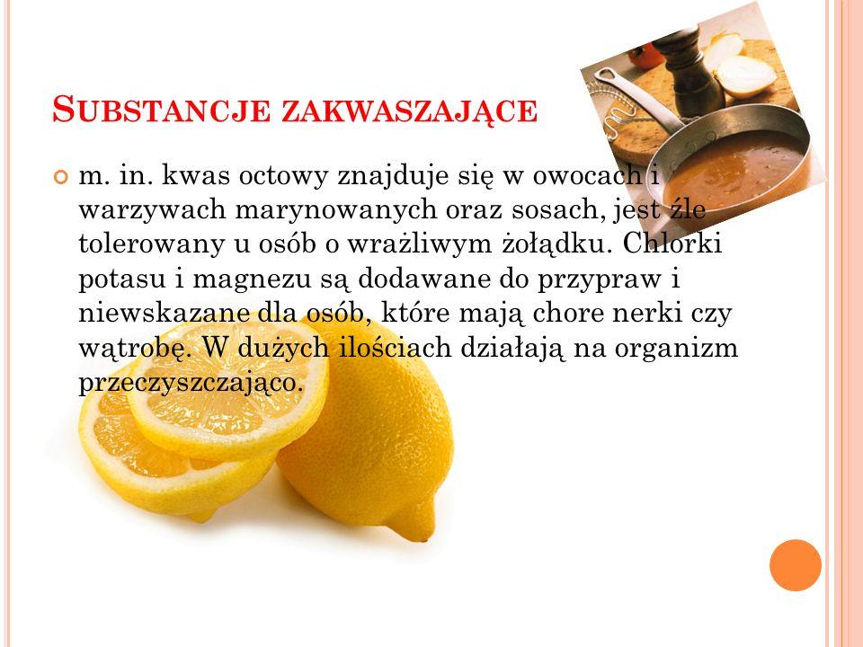 K ONSERWANTY czyli np. kwas benzoesowy, który może podrażnić śluzówkę żołądka i jelit oraz wysypki. Znaleźć go można w galaretkach, sokach owocowych,