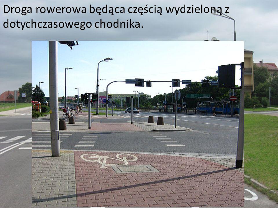 Droga rowerowa będąca częścią wydzieloną z dotychczasowego chodnika.